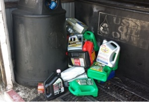 Recycle your used motor oil and filters the right way for Recycle motor oil containers